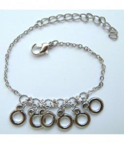 Les petits anneaux et strass