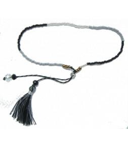 La finesse des perles du Japon, noir et argent
