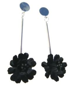 Fleur noire pendante