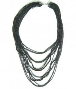 Collier multi chaines et perles noires
